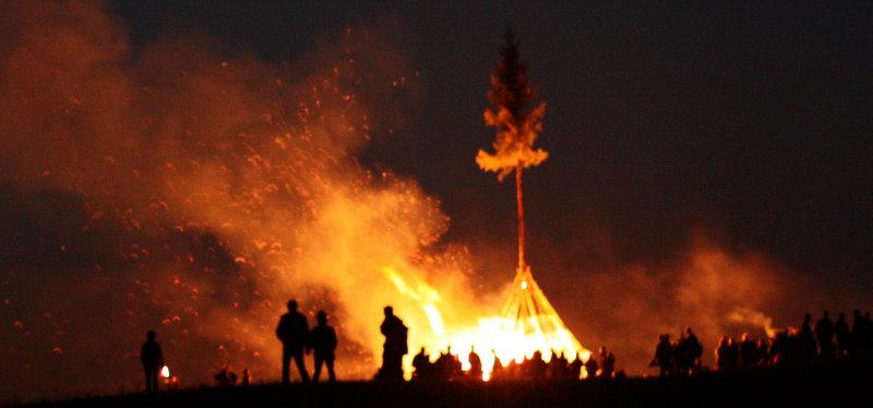 Osterfeuer und Ostern im Harz