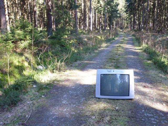 tv-auf-wanderweg